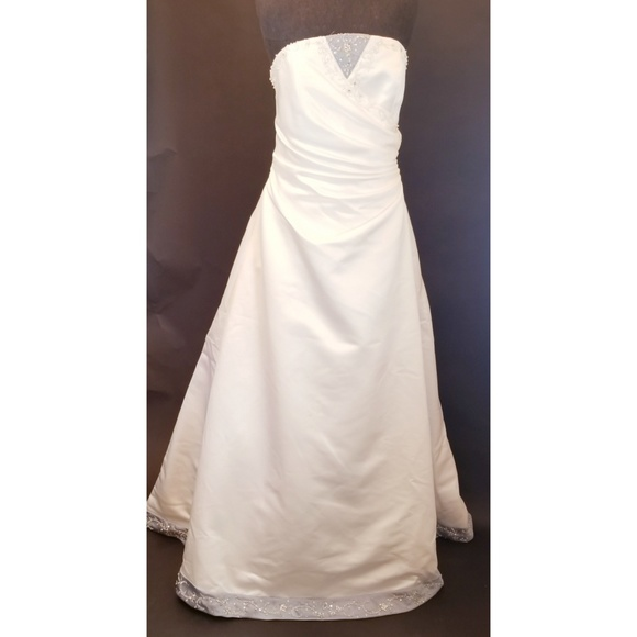 Alfred Angelo Dresses & Skirts - Alfred Angelo Platinum Wedding Dress